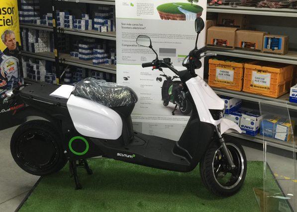 Moto eléctrica scutum