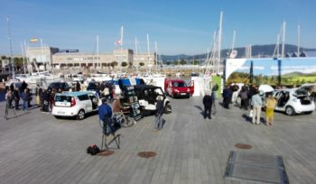 Muelle con vehículos eléctricos