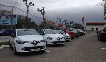 3 coches elétricos Renault en Cofano